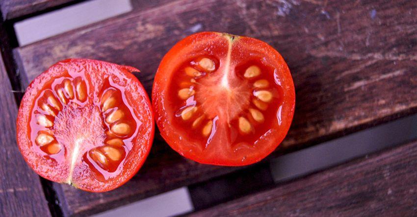 Garden tomato cut in half