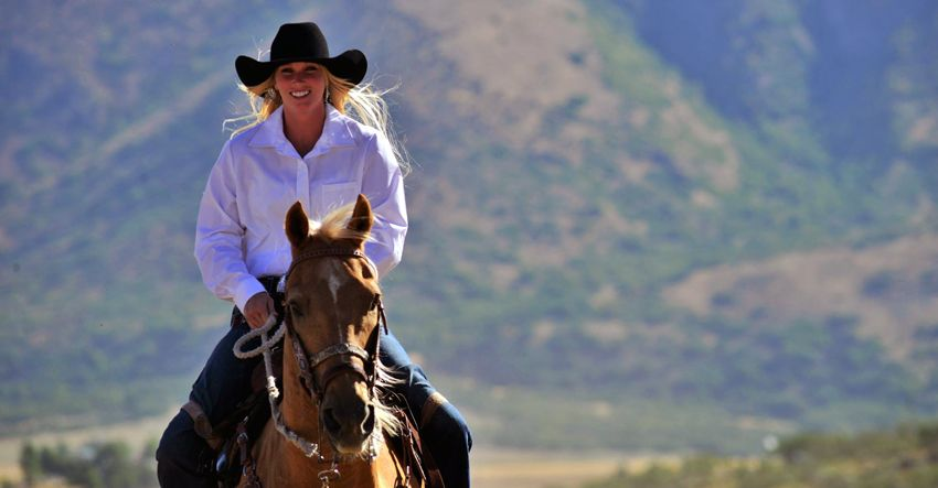 amberley snyder on horse