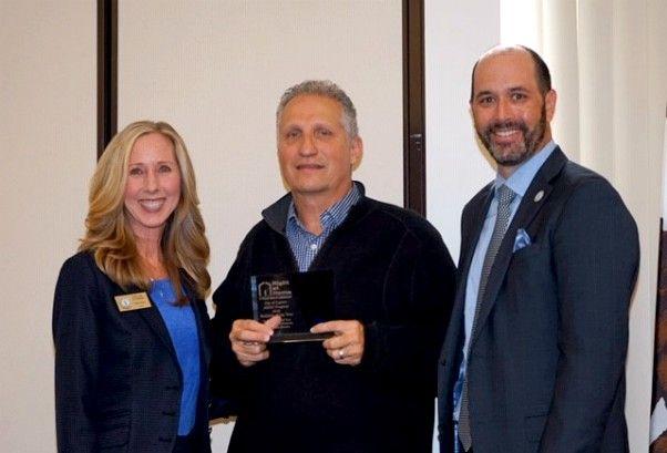 Vernon receives award from Mayor