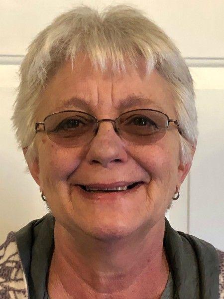 Leslie Lee, caregiver of the month profile shot